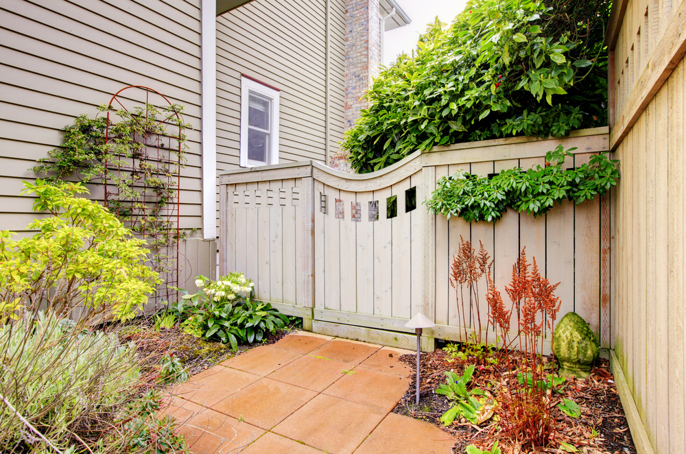 How to Choose a Fence Gate