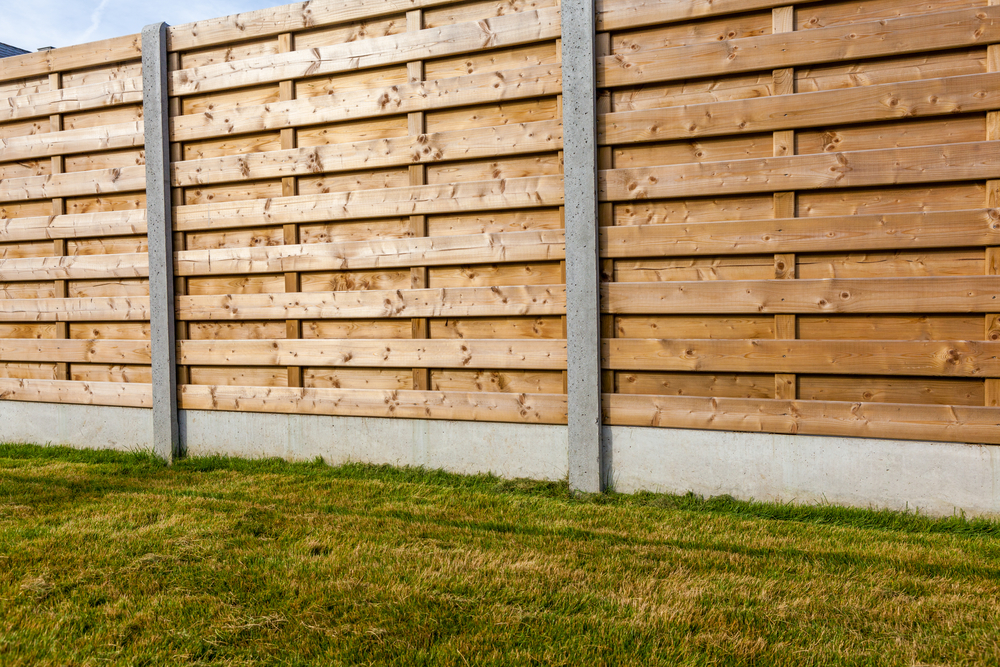 4 Tips for Repairing Fence Damage This Spring