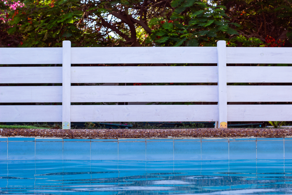 fencing home swimming pools